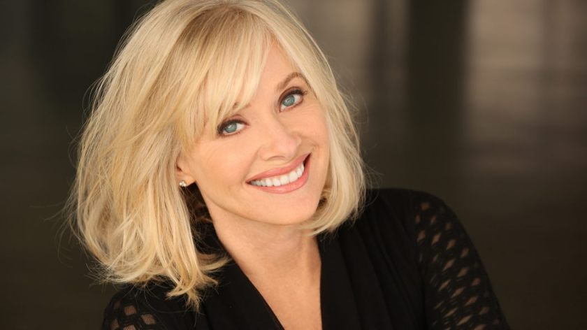 barbara_crampton_dont_call_me_a_scream_queen_1050_591_81_s_c1